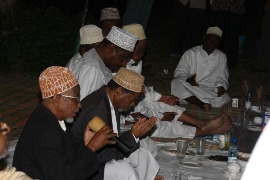 Dk.Shein ameungana na wananchi wa Mkoa wa Kaskazini Pemba katika futari