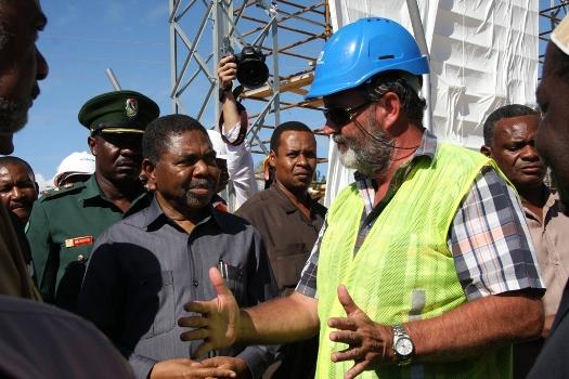 Dk.Shein amezindua ulazaji  wa waya  wa pili wa umeme kutoka Fumba Zanzibar hadi Ras Kiromoni DSM