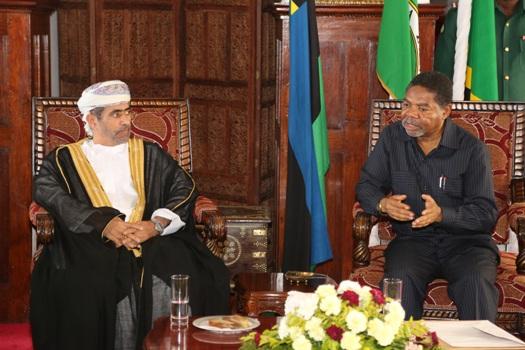 Serikali  ya Oman imeikabidhi Serikali ya Mapinduzi ya Zanzibar hundi ya T.Shilingi Bilioni 12.3